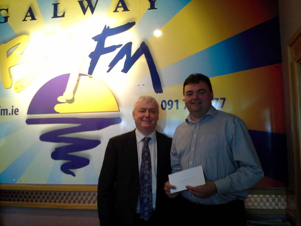 Galway Bay Fm Present Cheque For €1000
